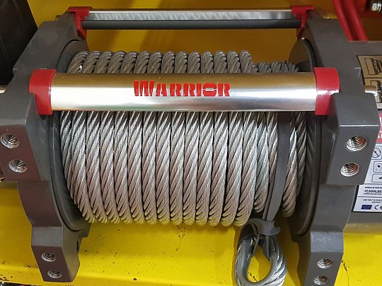 Industrial winches 01.jpg